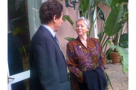 Brian Oppenheimer, CIMA, chats with Sr. Peggy McEntee, SC before the event begins