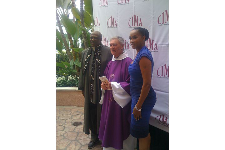 Lou Gossett, Jr., Fr. Tony Scannell, OFMCap, CIMA Chaplain and celebrant of the Mass, and Viveca A. Fox