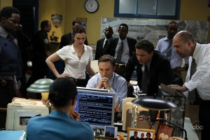 Amber Tamblyn (Joan of Arcadia) and Jeremy Renner (The Hurtlocker) and the cast of ABC's new police show THE UNUSUALS
