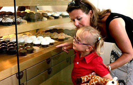L. A. Times photo of SPRINKLES cupcake shop in Beverly Hills, CA