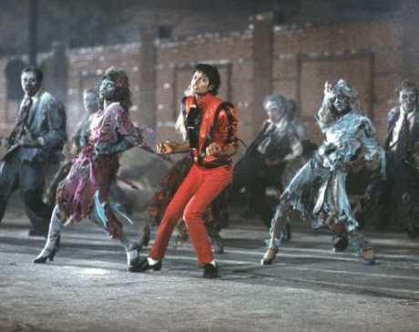 ET-Thriller12